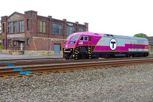 railroad rail railway locomotive passenger mbta lackawanna susquehanna dlw freighthouse uticany nysw mp36ph3c massachusettsbaytransportationauthority newyorksusquehannawestern delawarelackawannawestern