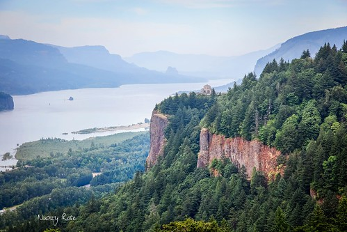 mountains oregon scenery tourist cliffs crownpoint columbiarivergorge vistahouse washingtonview sceniclookoff 2869e