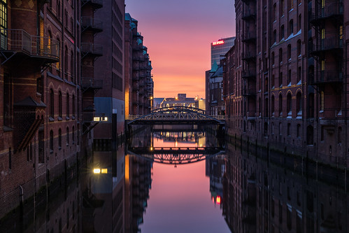 hamburg warehouse hafencity sunrise sun rise sunset germany canon5dmkiv mk4 mkiv 5d canon