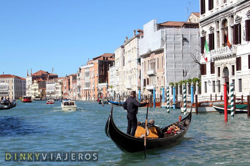 Venecia. Gondolero en el Gran Canal
