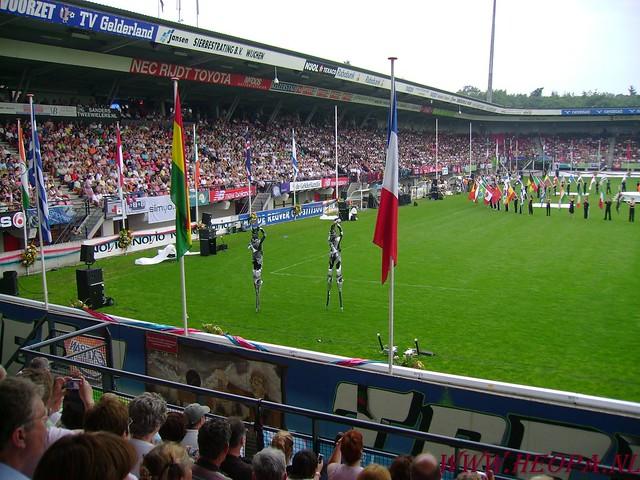 2007-07-16 Startbewijs op halen en vlaggen parade. (70)