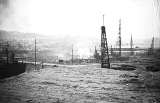Baustelle Neuhafen / U-båtbunkeren DORA I bygges (1941)