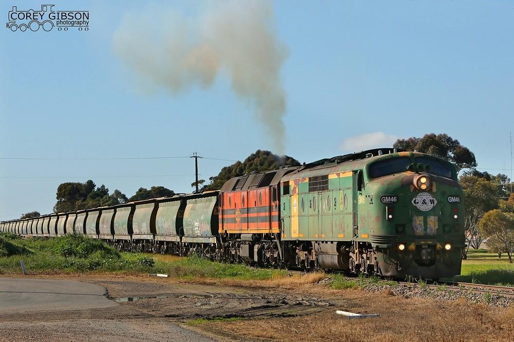 GM46 & 2216 depart Pinnaroo by Corey Gibson