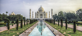 Taj Mahal - Agra, UP, India | by Claudio Accheri