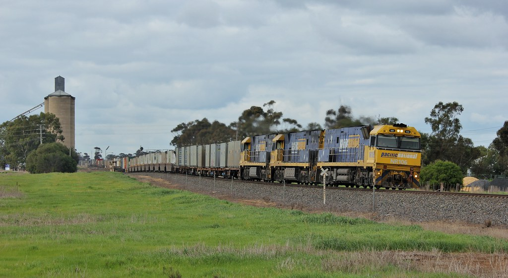 NR106 NR67 and NR102 roll out of Dooen on a late MP5 superfreight by bukk05