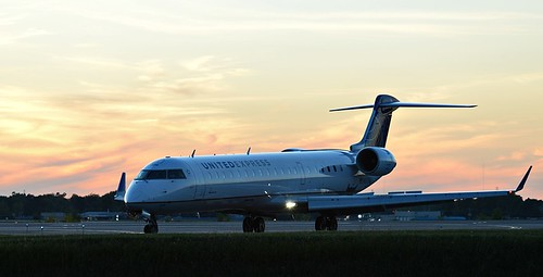 sunset sky ny colors plane airplane buffalo united transportation airbus buf a320 kbuf