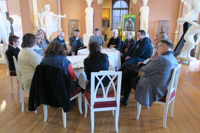 Als Ergebnis der Diskussion kann vor allem der Vernetzungswillen der einzelnen kulturschaffenden Akteure herausgestellt werden.