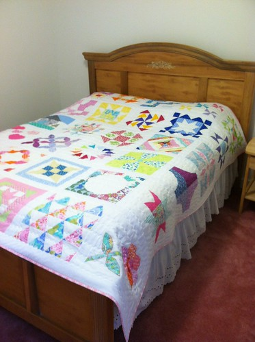 """Finished """"We can do it-skill builder sampler"""" Quilt a long with Sewn by Leila"""