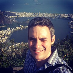 Ok one more, just to show how high up it is here. Behind me: Ipanema, several kilometers away. Now challenging the setting to a race; finish line is that beach's caipirinha shacks.