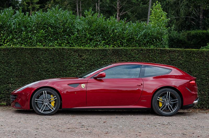 Ferrari FF 2013 side