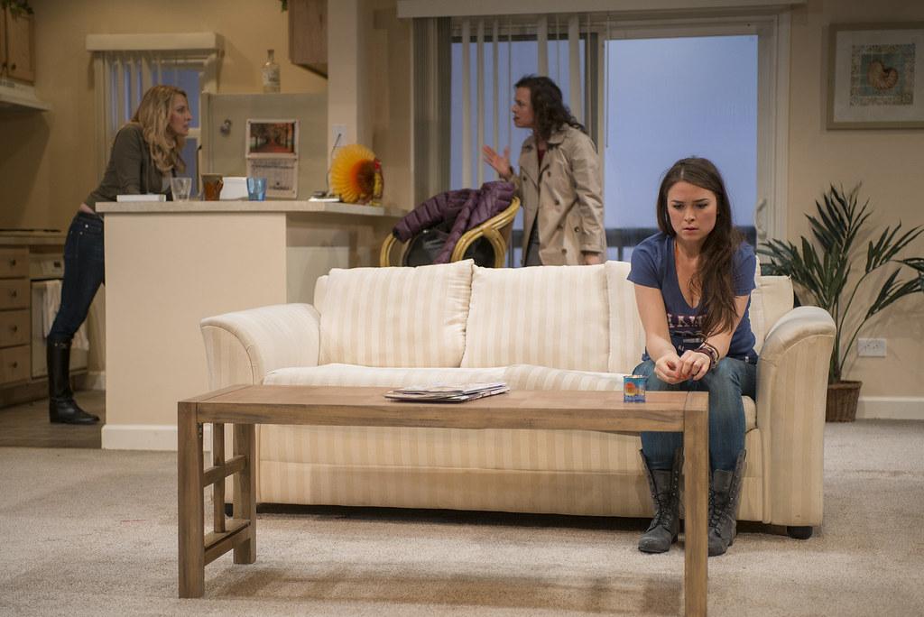 Lusia Strus (Becca), Lori Myers (Ali), Leah Karpel (Lizzy)