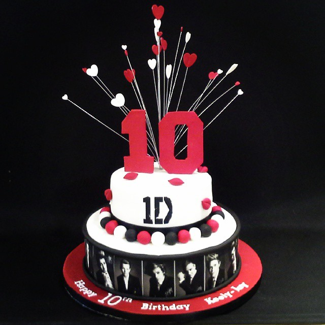 Cake Thefoxycakeco All These Little Things Make A Beautiful One Direction