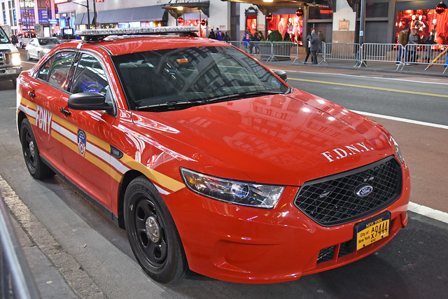 Picture Of City Of New York Fire Department Explosives Unit Vehicle - 2015 Or 2016 Ford Taurus Police Interceptor Sedan. Photo Taken Tuesday November 22, 2016