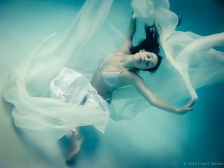 under-water-white | by tnssofres