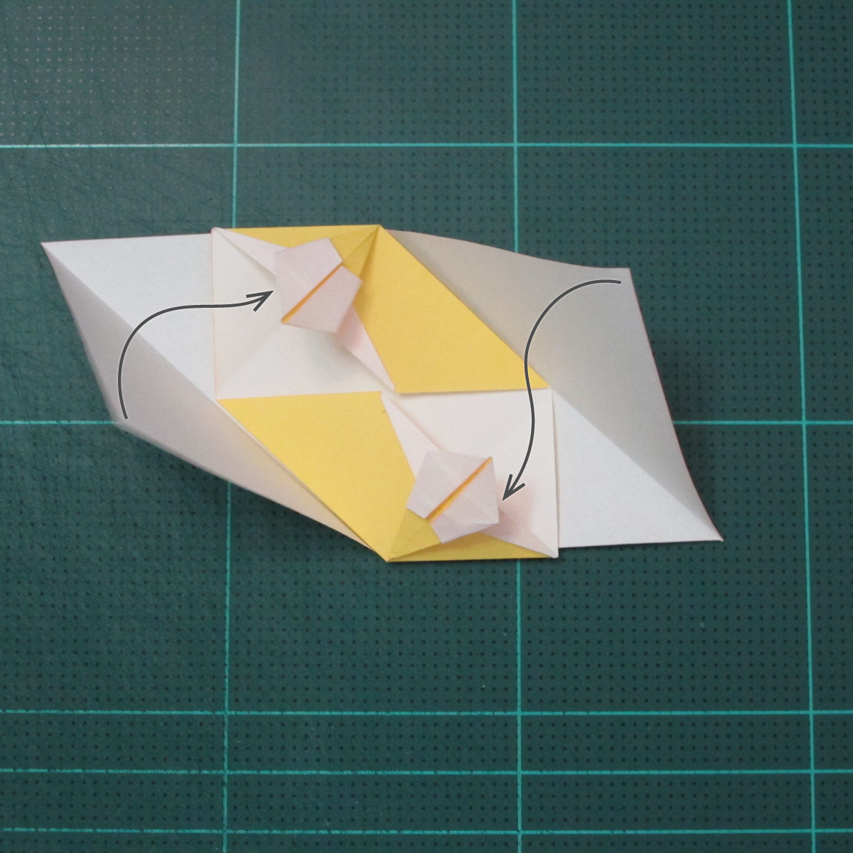วิธีพับบอลกระดาษแบบเอสเตลล่าฟลอร์ (Estrella Flor Kusudama)012