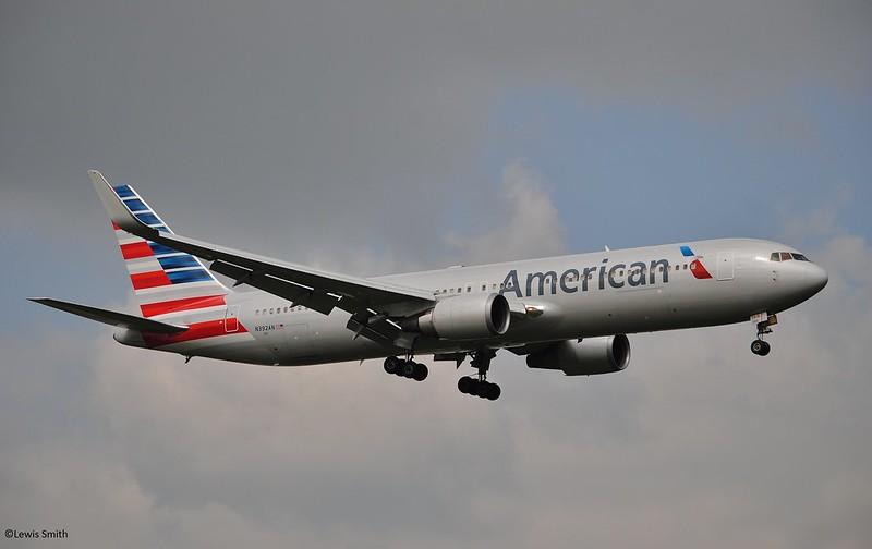 American Airlines Boeing 767-300 N392AN