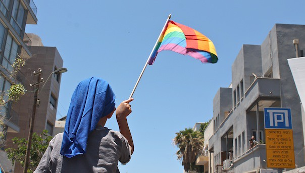tel-aviv-gay-lgbt-pride-2015-7-kid-flag