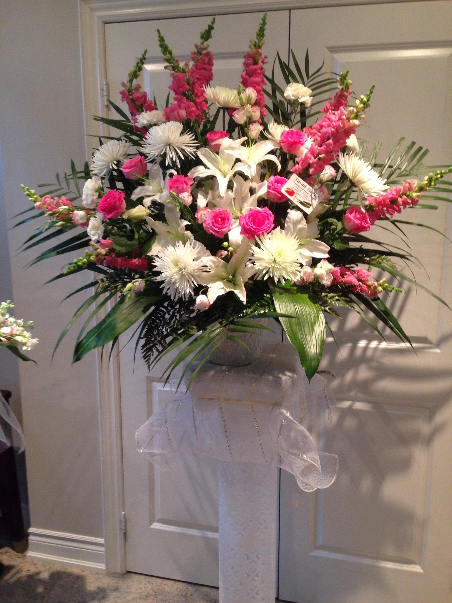 Farah florist W-A02.   $180