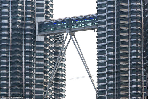 Skybridge Petronas XOKA0229bs | by Phuketian.S