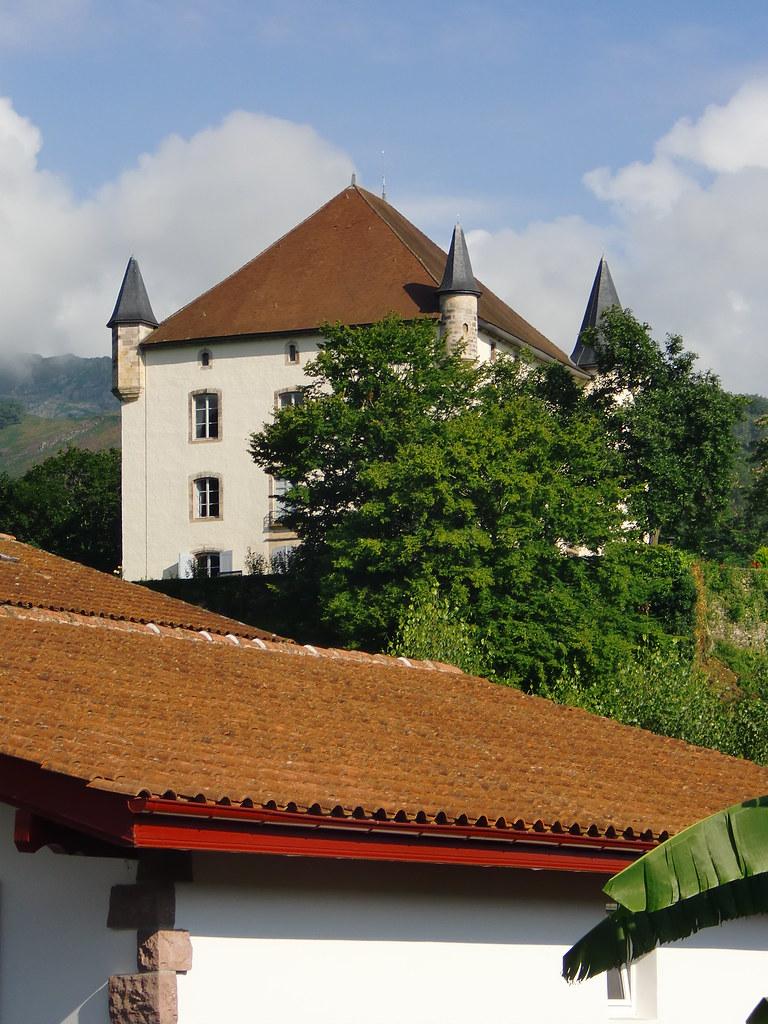 CASTILLO DE LOS ECHAUZ DE BAIGORRI