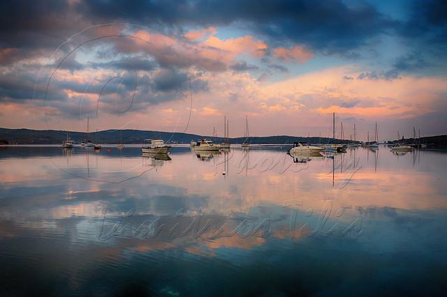 Άσπρα καράβια τα όνειρά μας...White boats our dreams ...