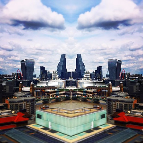 FFCU BACKGROUND: the face of London #ffcu #freefcu #stock #stockimages #stockphoto #stockphotos #stockphotography #freeforcommercialuse #blogger #bloggers #writers #businessowners #articlewriter #share #sharers #internet #photography #photographer #photog | by Free for Commercial Use