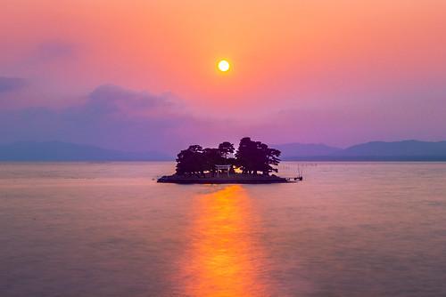 japan sunset sky light sun sunshine cloud weather landscape orange purple contrast colour bright lake island water nature spring