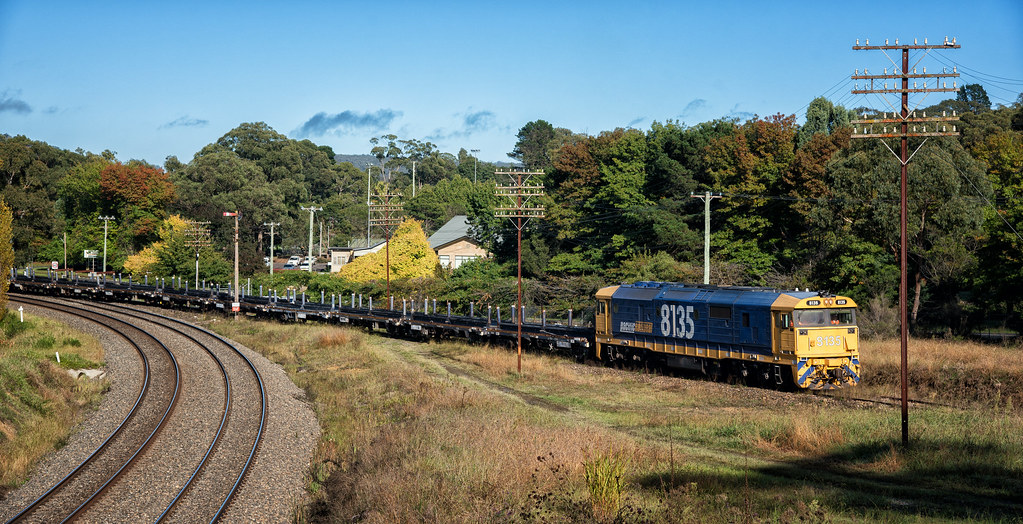 8135 - 2M32 - Mittagong Junction - 05.04.2017 by Steve Burrows