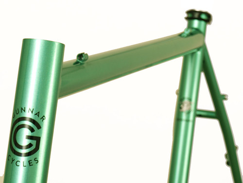 <p>11:00 cable Routing on a Gunnar CrossHairs in Shamrock Green w/ Black Bullseye Decals  The CrossHairs takes versatility to a new level, suitable for cylcocross competition, off-season training, centuries and distance riding  as well as commuting.</p>