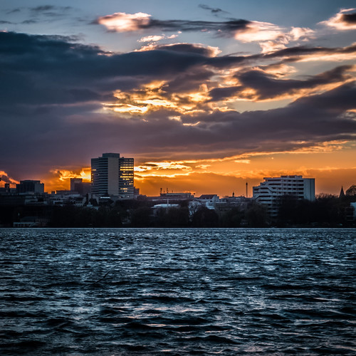 sunset reflection water deutschland wasser sonnenuntergang cloudy hamburg 11 alster fujix10