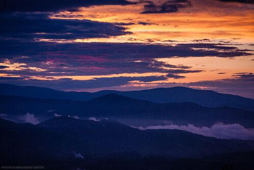 sunset mountains clouds northcarolina smokies smokymountains blueridge appalachianmountains