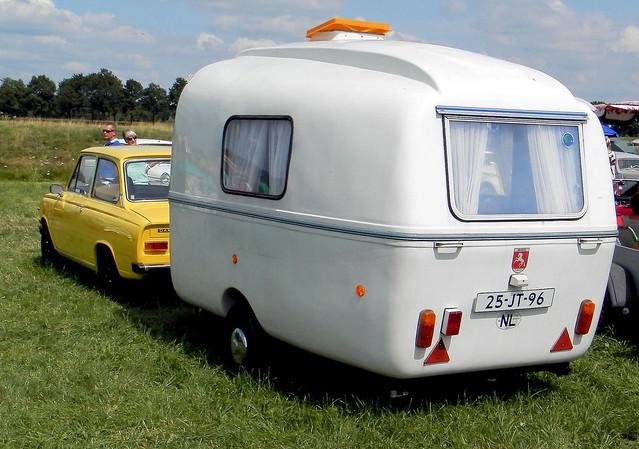 DAF 46 met caravan