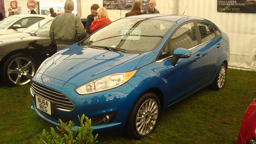 2014 Ford Fiesta Sedan Photo