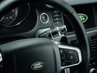 Land-Rover-Discovery-Sport-2014-40