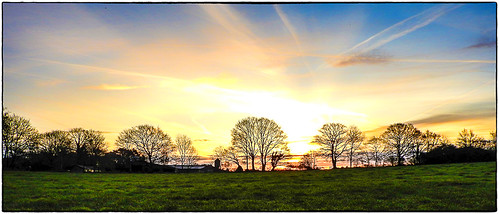 elstead england unitedkingdom gb sunrise fields