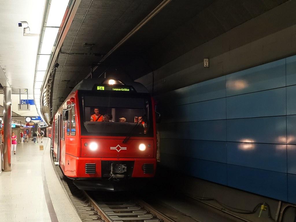 Be 510 Triebzug der Uetlibergbahn im Einsatz auf der Sihltalbahn (S4).