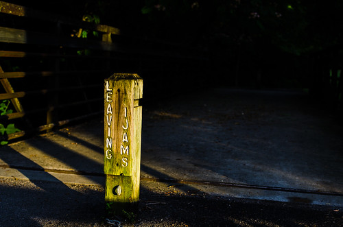 light sunset shadow dark bride crossing post knoxville dusk tennessee pole marker passage boundary eveninglight settingsun ijams ijamsnaturecenter boundarymarker