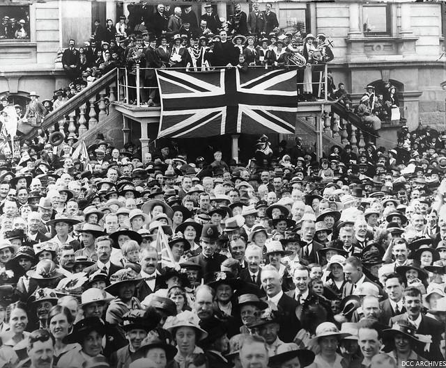 Armistice Day Celebrations at Municipal Chambers, 1918