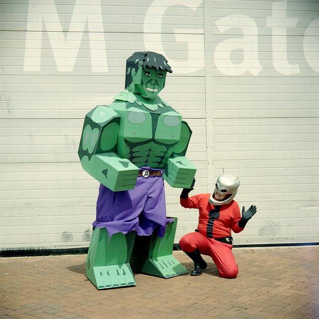 Box Hulk vs Ant-Man