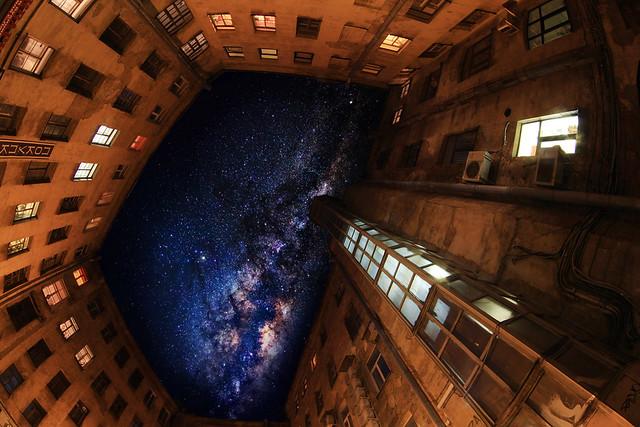 The Milky way in the old courtyard/ Двор-колодец и Млечный путь