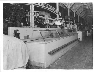 Photograph of a Fish Stand in Center Market, 04/06/1923