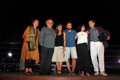 El Jurat del Premi Pepón Coromina amb el premiat Hammudi Al-Rahmoun Font i la dissenyadora del guardó, Tona Coromina.