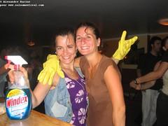 sam, 2006-07-15 19:26 - IMG_9664-Robin et Isabelle-Windex