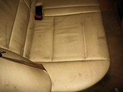 BMW X5- LIMPIEZA CUERO. Asiento trasero Derecho. Antes