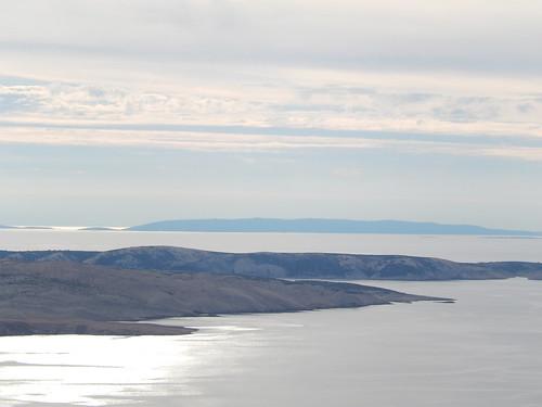 Langs de kust onderweg naar de ferry naar Rab Island
