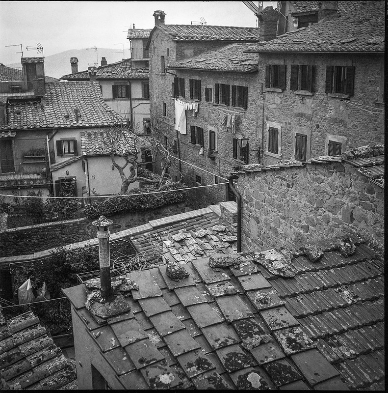 rooftops, clotheslines, Cortona, Tuscany, Italy, Rolleicord TLR, Fomapan 200, Moersch Eco Film Developer, December 2016