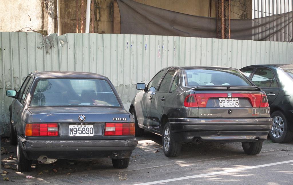 BMW 318i (E30) & Seat Cordoba