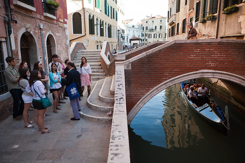 Students tour Venice, Italy