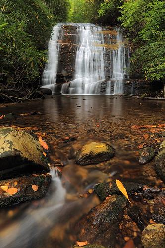 waterfall northcarolina s thompsonriver northcarolinamountains canon1635f28 northcarolinawaterfalls durinsday canon6d johnsjump
