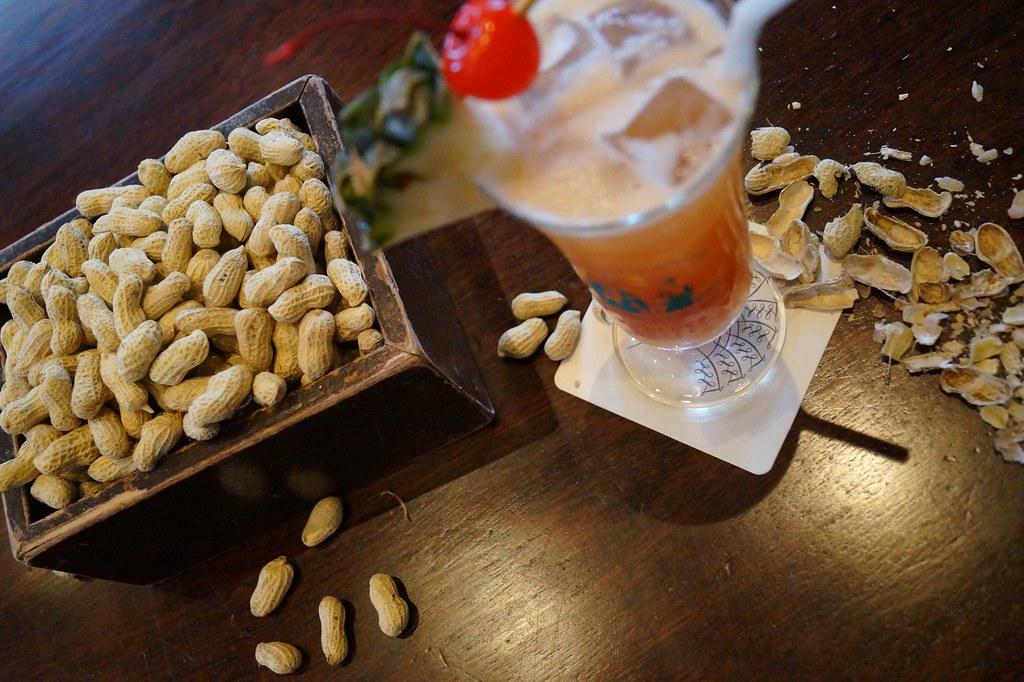 Peanuts And Singapore Sling At Long Bar Raffles Hotel Flickr